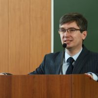 Директором Нижнекамского химико-технологического института назначен Ильдар Гумерович Ахметов — доктор химических наук.